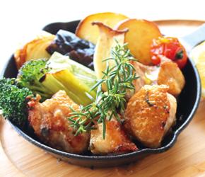国産若鶏と季節野菜の窯焼き